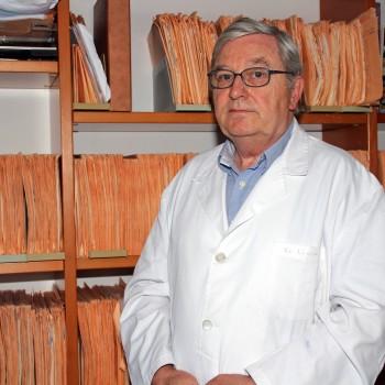 El Dr. Alberto Lluch, especialista en urología