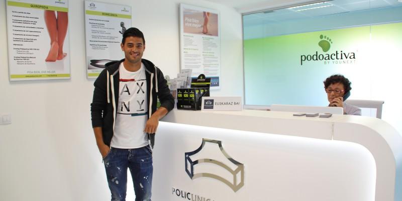 Carlos Vela en la Unidad del Pie de Policlínica Gipuzkoa tras realizarse el estudio biomecánico de la pisada el pasado 28 de julio y comenzar a utilizar las plantillas personalizadas Podoactiva desde esa misma semana.