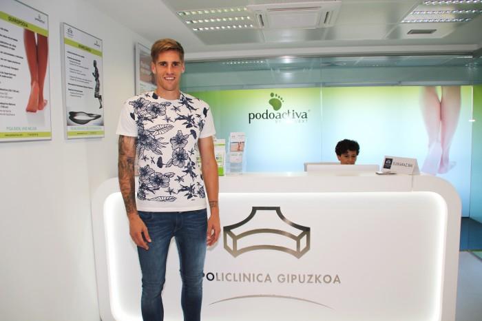 Raúl Albentosa en la Unidad del Pie de Policlínica Gipuzkoa y Podoactiva