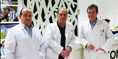 José Luis Elósegui, Javier Murgoitio y Juan Ignacio Arenas, en Policlínica Gipuzkoa.