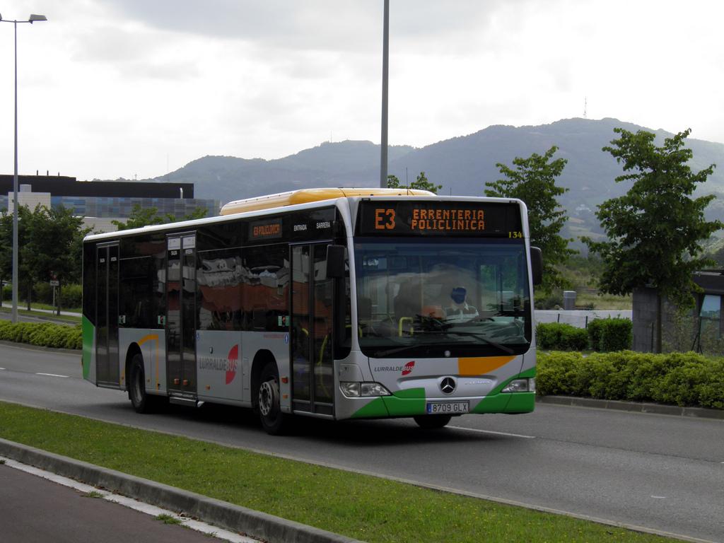 Las líneas de autobuses Lurraldebus, E03 y E07, para llegar a Policlínica Gipuzkoa empezarán a operar los domingo