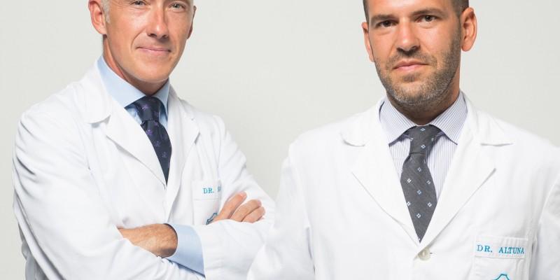Los otorrinolaringólogos de Policlínica Gipuzkoa Carlos Saga y Xabier Altuna