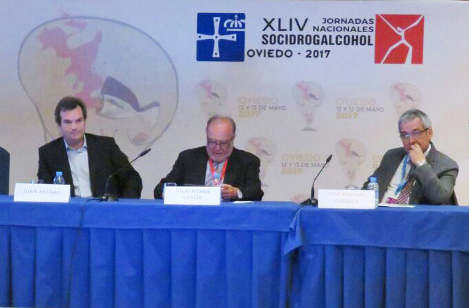 Los Dres. José Manuel Chouza y Juan Ignacio Arenas han presentado una ponencia en la XLIV Jornada Nacional de Socidrogalcohol