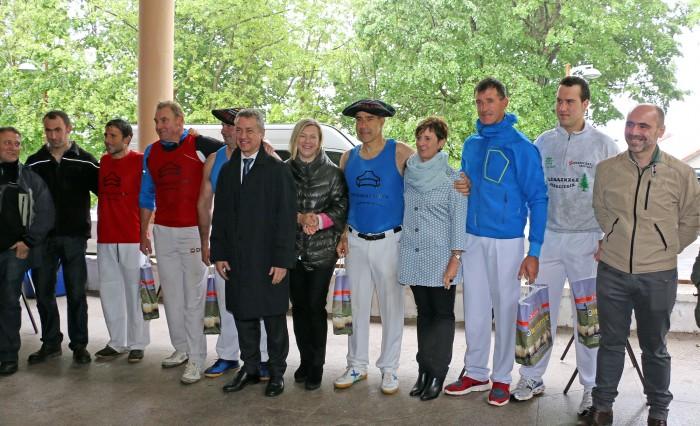 Policlínica Gipuzkoa patrocina el III Torneo de Aizkolaris y Harrijasotzailes de Arrate