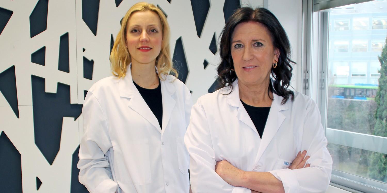 Las oftalmólogas Monica Pérez y Elena Arcelus de Policlínica Gipuzkoa