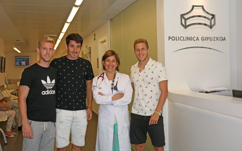 Dani Nieto, Saúl Berjon, junto a la cardióloga Laura Quintas y Sergio Gontán,