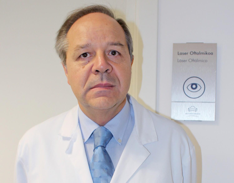 Dr. Enrique Aramendia, oftalmólogo de Policlínica Gipuzkoa