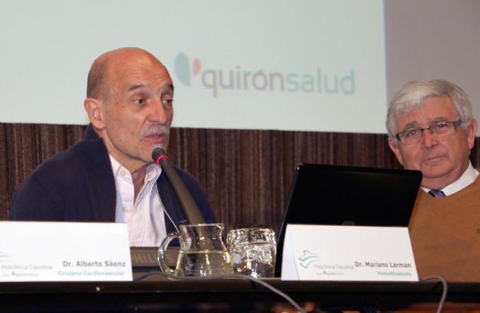 El cardiólogo, Javier Montes, el hemodinamista, Mariano Larman, y el cirujano cardiovascular, Alberto Sáenz, en el Aula de Salud
