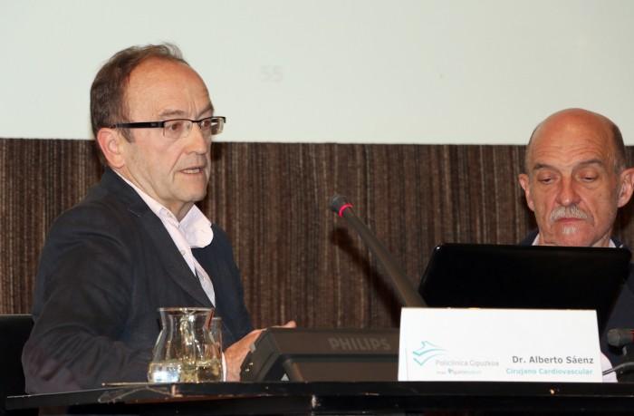 El cirujano cardiovascular, Alberto Sáenz, en el Aula de Salud