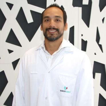 Dr. Héctor Enrique Cabello Pucce pediatra PG