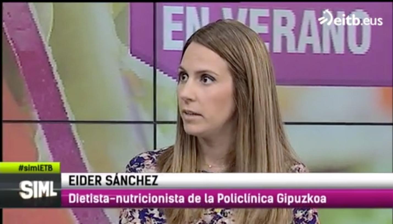 """Eider Sánchez nutricionista de Policlínica Gipuzkoa en el programa """"Sin ir más lejos""""."""