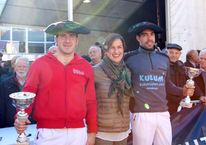 Jauregi y Kortxero, junto a la Dra. Sonia Roussel, Directora Asistencial de Policlínica Gipuzkoa.